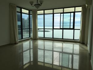 Apartamento En Ventaen Panama, Avenida Balboa, Panama, PA RAH: 19-7826
