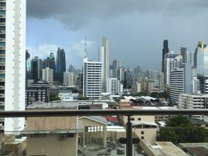 Apartamento En Ventaen Panama, El Cangrejo, Panama, PA RAH: 19-7950
