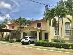 Casa En Ventaen Panama Oeste, Arraijan, Panama, PA RAH: 19-8047