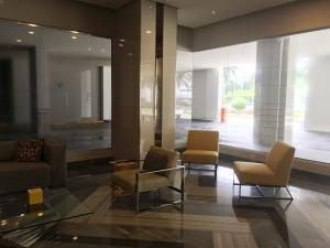 Apartamento En Ventaen Panama, Costa Del Este, Panama, PA RAH: 19-8279