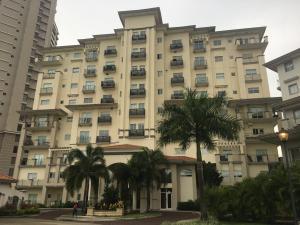 Apartamento En Ventaen Panama, Santa Maria, Panama, PA RAH: 19-8404