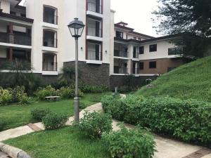 Apartamento En Ventaen Panama, Clayton, Panama, PA RAH: 19-8492