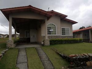 Casa En Alquileren Boquete, Alto Boquete, Panama, PA RAH: 19-8766