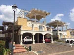 Apartamento En Alquileren Panama, Panama Pacifico, Panama, PA RAH: 19-9126