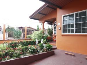 Casa En Ventaen Panama, Brisas Del Golf, Panama, PA RAH: 19-9722