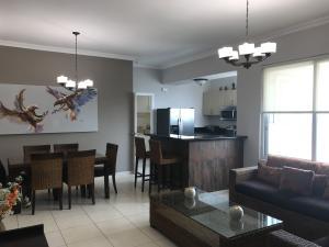 Apartamento En Alquileren Panama, Avenida Balboa, Panama, PA RAH: 19-9860