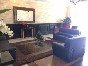 Apartamento En Alquileren Panama, Obarrio, Panama, PA RAH: 19-10175