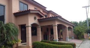 Casa En Alquileren Panama, Versalles, Panama, PA RAH: 19-10269
