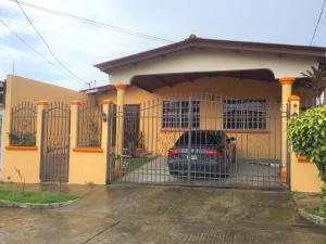 Casa En Ventaen Panama, Brisas Del Golf, Panama, PA RAH: 19-10370