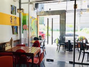Local Comercial En Alquileren Panama, Bellavista, Panama, PA RAH: 19-10565
