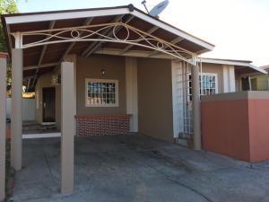Casa En Alquileren Panama, Las Cumbres, Panama, PA RAH: 19-10958