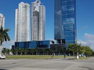 Local Comercial En Alquileren Panama, Costa Del Este, Panama, PA RAH: 19-10863