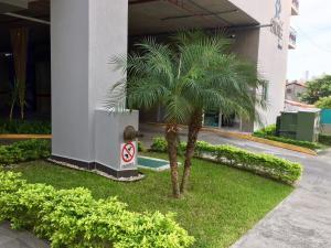 Apartamento En Alquileren Panama, Altos Del Golf, Panama, PA RAH: 19-11245