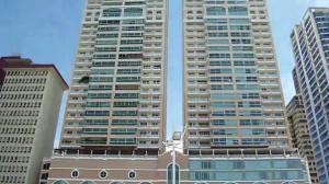 Apartamento En Ventaen Panama, Avenida Balboa, Panama, PA RAH: 19-11567