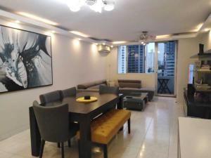 Apartamento En Ventaen Panama, El Cangrejo, Panama, PA RAH: 19-11598