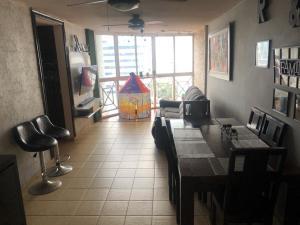Apartamento En Alquileren Panama, San Francisco, Panama, PA RAH: 19-12207