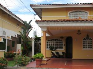 Casa En Ventaen Panama, Altos De Panama, Panama, PA RAH: 19-12264