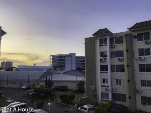 Apartamento En Ventaen Panama, Costa Del Este, Panama, PA RAH: 19-12273