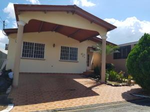 Casa En Alquileren Panama, Brisas Del Golf, Panama, PA RAH: 20-146