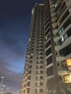 Apartamento En Alquileren Panama, San Francisco, Panama, PA RAH: 20-274