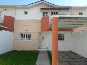 Casa En Alquileren Panama Oeste, Arraijan, Panama, PA RAH: 20-458
