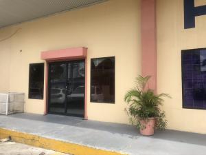 Local Comercial En Alquileren Panama, Carrasquilla, Panama, PA RAH: 20-485