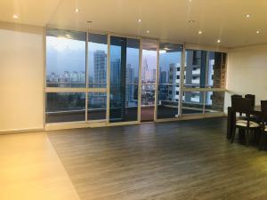 Apartamento En Ventaen Panama, El Cangrejo, Panama, PA RAH: 20-444