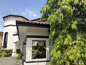 Casa En Alquileren Panama, Costa Del Este, Panama, PA RAH: 20-1292