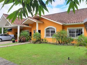 Casa En Alquileren Panama, Brisas Del Golf, Panama, PA RAH: 20-1556