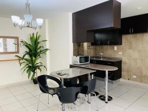 Apartamento En Alquileren Panama, Condado Del Rey, Panama, PA RAH: 20-1690