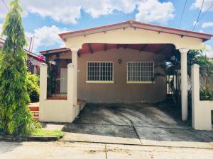Casa En Alquileren Panama, Brisas Del Golf, Panama, PA RAH: 20-1808