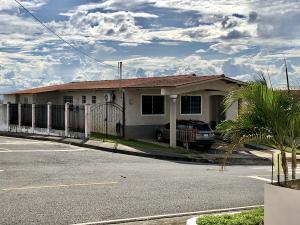 Casa En Ventaen Panama Oeste, Arraijan, Panama, PA RAH: 20-1990