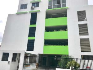 Apartamento En Alquileren Panama, Carrasquilla, Panama, PA RAH: 20-2038