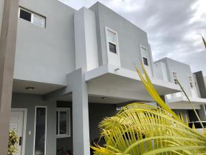 Casa En Alquileren Panama, Brisas Del Golf, Panama, PA RAH: 20-2404