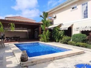 Casa En Ventaen Panama, Condado Del Rey, Panama, PA RAH: 20-3099