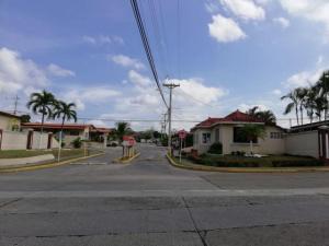 Casa En Alquileren Panama, Brisas Del Golf, Panama, PA RAH: 20-3336