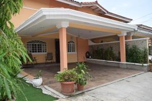 Casa En Ventaen Panama, Altos De Panama, Panama, PA RAH: 20-3364
