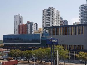 Oficina En Ventaen Panama, Ricardo J Alfaro, Panama, PA RAH: 20-3539