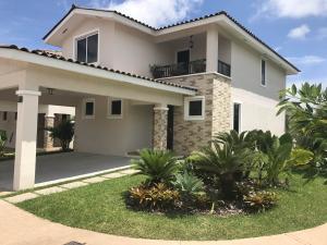 Casa En Ventaen Panama, Panama Pacifico, Panama, PA RAH: 20-4292