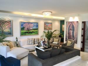 Casa En Ventaen Panama, Altos Del Golf, Panama, PA RAH: 20-4579