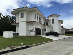 Casa En Ventaen Panama, Santa Maria, Panama, PA RAH: 20-4675