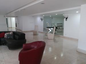 Apartamento En Ventaen Panama, Edison Park, Panama, PA RAH: 20-4892