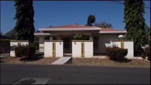 Casa En Ventaen Aguadulce, Aguadulce, Panama, PA RAH: 20-5659