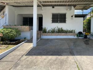 Casa En Alquileren Panama, Ricardo J Alfaro, Panama, PA RAH: 20-5788
