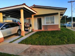 Casa En Alquileren Panama, 24 De Diciembre, Panama, PA RAH: 20-5904