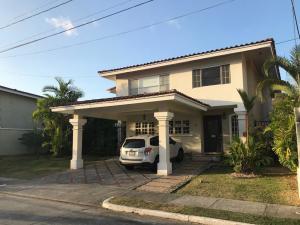 Casa En Ventaen Panama, Brisas Del Golf, Panama, PA RAH: 20-5907