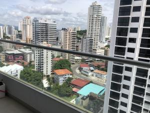 Apartamento En Ventaen Panama, El Carmen, Panama, PA RAH: 20-6403