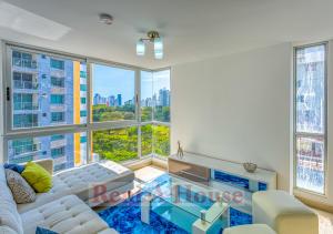 Apartamento En Ventaen Panama, Carrasquilla, Panama, PA RAH: 20-6493