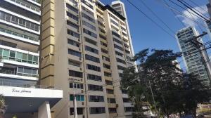 Apartamento En Ventaen Panama, Paitilla, Panama, PA RAH: 20-7304