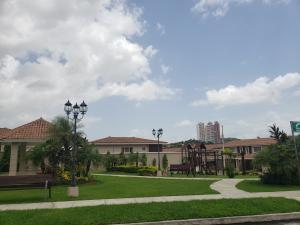 Casa En Ventaen Panama, Brisas Del Golf, Panama, PA RAH: 20-8618
